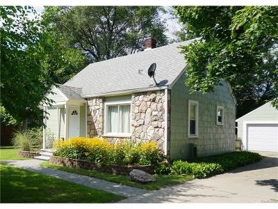 Auburn Hills Single Family Home For Sale: 30 Earl Court