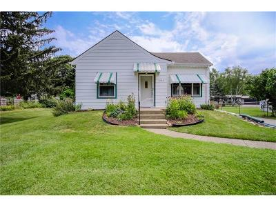 Waterford Twp MI Single Family Home For Sale: $139,900
