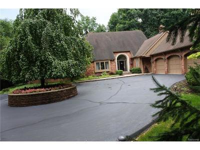 Farmington Hills Single Family Home For Sale: 32615 Rockridge Lane