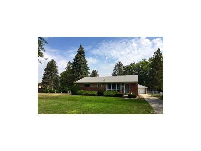 Livonia Single Family Home For Sale: 36468 Parkdale Street