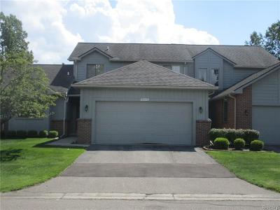 Livonia Condo/Townhouse For Sale: 31449 Merriwood Park Drive