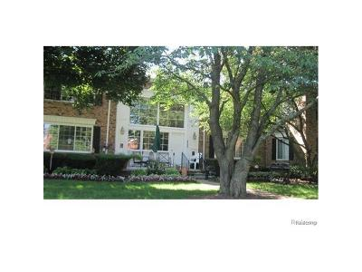 Bloomfield Twp Condo/Townhouse For Sale: 607 E Fox Hills Drive