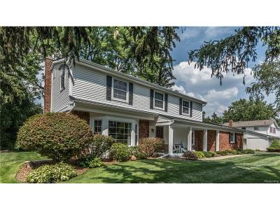 West Bloomfield Single Family Home For Sale: 5572 Edinborough