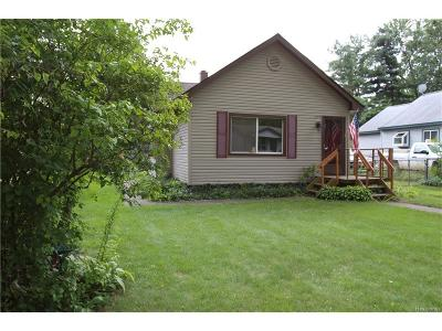 Commerce Twp MI Single Family Home For Sale: $154,900