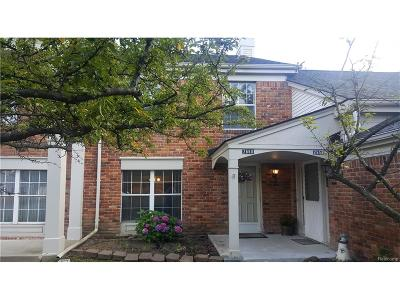 Auburn Hills Condo/Townhouse For Sale: 2660 Williamsburg Circle
