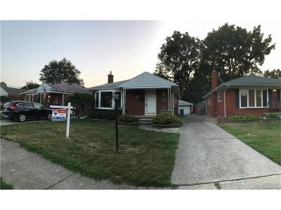 Dearborn Heights Single Family Home For Sale: 6879 Colonial Street