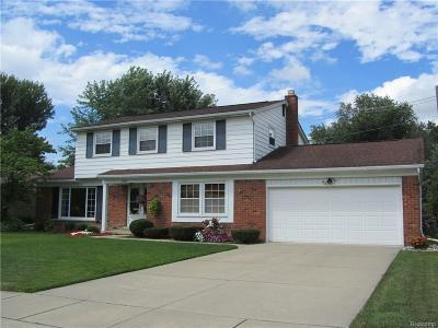 Livonia Single Family Home For Sale: 15685 Edgewood Street