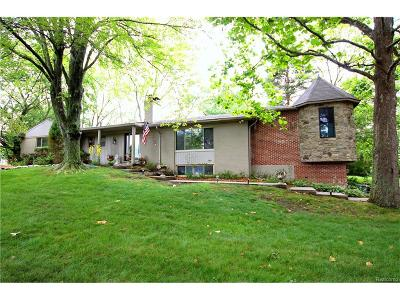 West Bloomfield Single Family Home For Sale: 3960 Hollyhock Drive