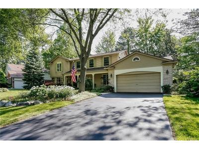 West Bloomfield, West Bloomfield Twp Single Family Home For Sale: 5103 Lake Bluff Road