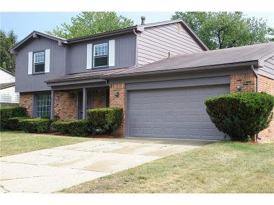 Farmington, Farmington Hills Single Family Home For Sale: 33121 Walnut Lane