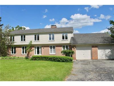 Bloomfield Twp Single Family Home For Sale: 1859 Long Pointe Drive
