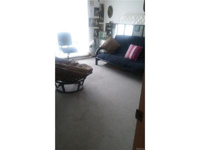 Farmington Condo/Townhouse For Sale: 28422 W Eight Mile Road #8B