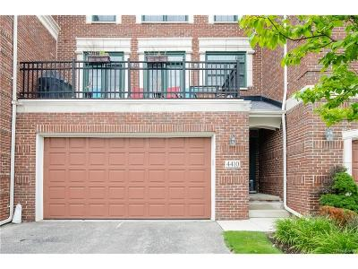West Bloomfield Condo/Townhouse For Sale: 4410 Gateway Circle