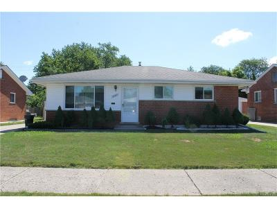 Dearborn Heights Single Family Home For Sale: 20365 Fairview Drive