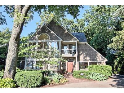 Orchard Lake Single Family Home For Sale: 3785 Indian Trail