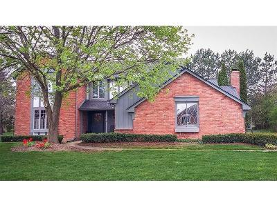 Plymouth Single Family Home For Sale: 9839 Hillcrest Drive