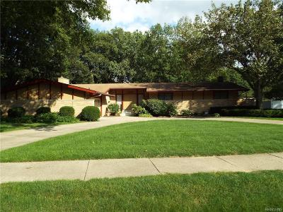 Farmington Single Family Home For Sale: 23180 Cass Avenue