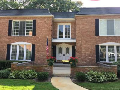 Bloomfield Hills Condo/Townhouse For Sale: 1750 Tiverton Road
