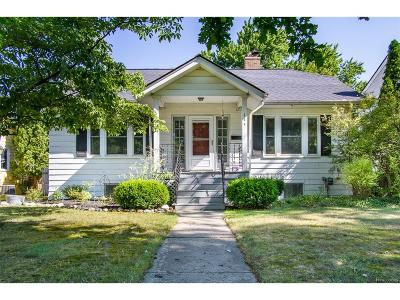 Rochester Single Family Home For Sale: 145 Highland Avenue