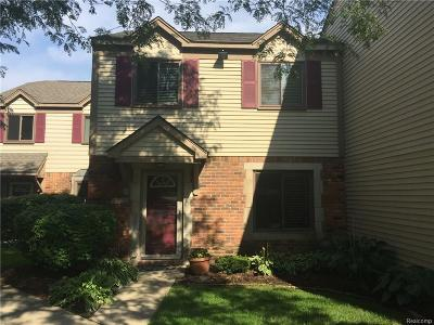 Rochester Hills Condo/Townhouse For Sale: 1571 Streamwood Court