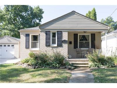 Farmington Single Family Home For Sale: 32013 Valley View Street