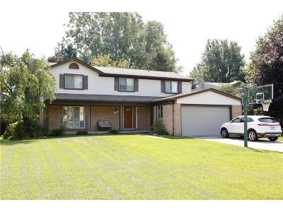 Rochester Hills MI Single Family Home For Sale: $309,900