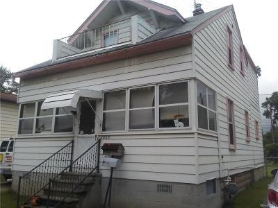 Berkley Single Family Home For Sale: 2025 Robina Avenue