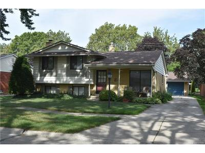 Clawson Single Family Home For Sale: 693 Shenandoah Drive