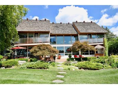 West Bloomfield Twp Single Family Home For Sale: 6025 Upper Straits Boulevard