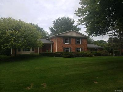 Troy MI Single Family Home For Sale: $570,000