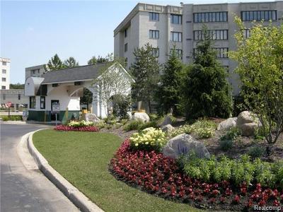 Novi Condo/Townhouse For Sale: 43000 12 Oaks Crescent #5033