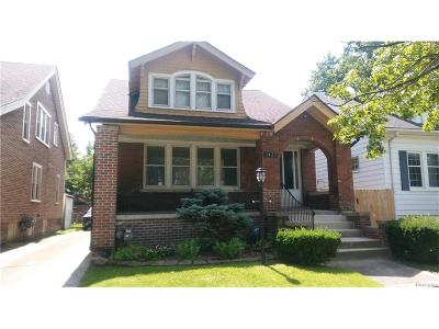 Grosse Pointe Park MI Single Family Home For Sale: $189,900