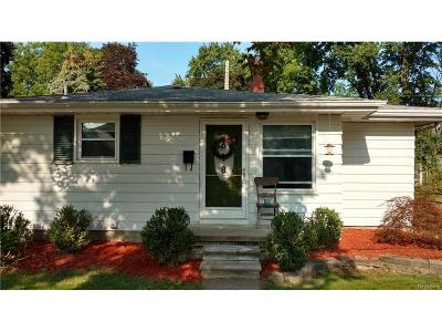 Salem, Salem Twp, Plymouth, Plymouth Twp Single Family Home For Sale: 618 Kellogg Street