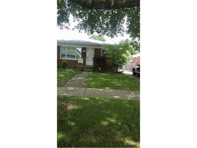 Dearborn Heights Single Family Home For Sale: 4123 Clippert Street