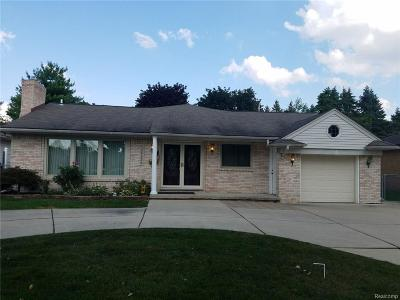 Dearborn Heights Single Family Home For Sale: 25539 Loch Lomond Drive