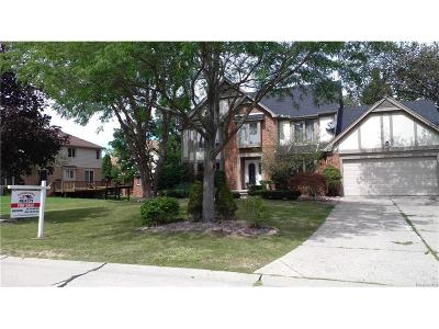 Farmington Hills MI Single Family Home For Sale: $369,900