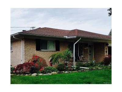 Dearborn Heights Single Family Home For Sale: 6196 Cambridge