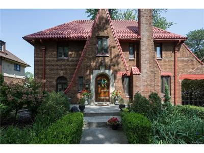 Grosse Pointe Park Single Family Home For Sale: 1366 Balfour Street