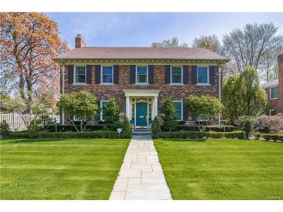 Grosse Pointe Park Single Family Home For Sale: 1014 Harvard Road