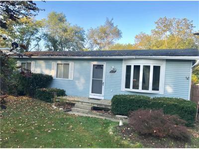 White Lake, White Lake Twp Single Family Home For Sale: 5153 Allingham