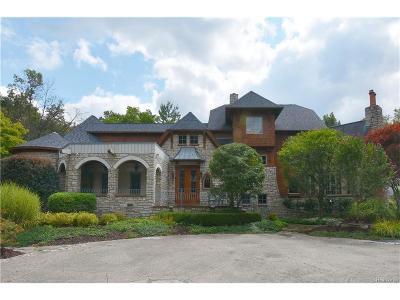Oakland County Single Family Home For Sale: 1700 Schilling Lane