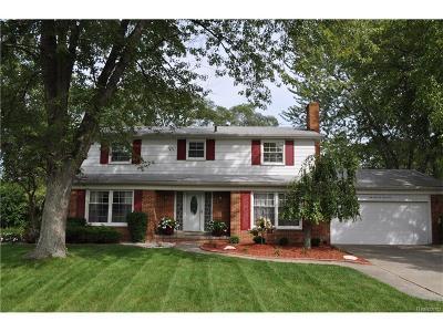 Farmington, Farmington Hills Single Family Home For Sale: 25646 Castlereigh Drive