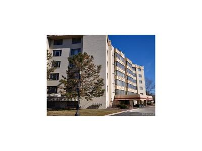 Novi Condo/Townhouse For Sale: 43000 12 Oaks Crescent #5066