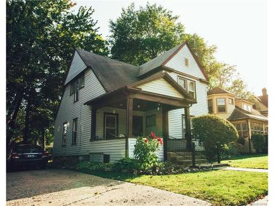 Pontiac Single Family Home For Sale: 37 Mary Day Avenue