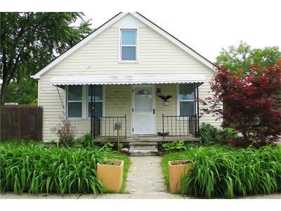 Hazel Park Single Family Home For Sale: 467 W Maxlow Avenue