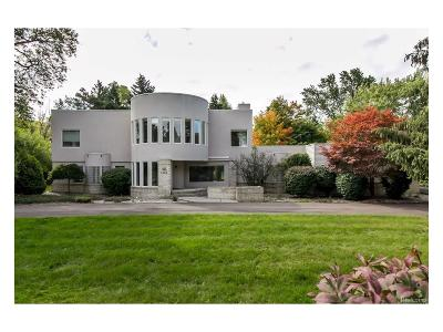 Bloomfield Twp Single Family Home For Sale: 1535 W Long Lake Road