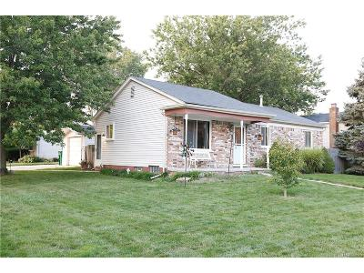 Chesterfield Twp MI Single Family Home For Sale: $169,900