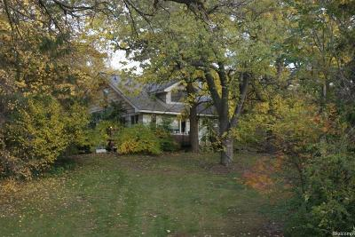 Orchard Lake Single Family Home For Sale: 3655 Shady Beach Boulevard