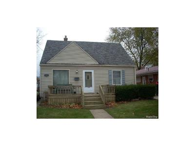 Dearborn Heights Single Family Home For Sale: 25913 Powers Avenue