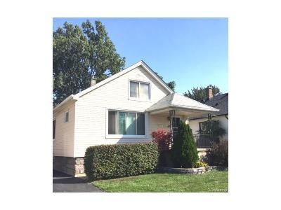 Eastpointe Single Family Home For Sale: 16223 E 10 Mile